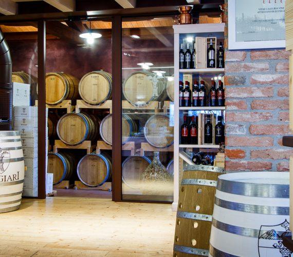 Cantina Sengiari: vino, cucina e territorio.